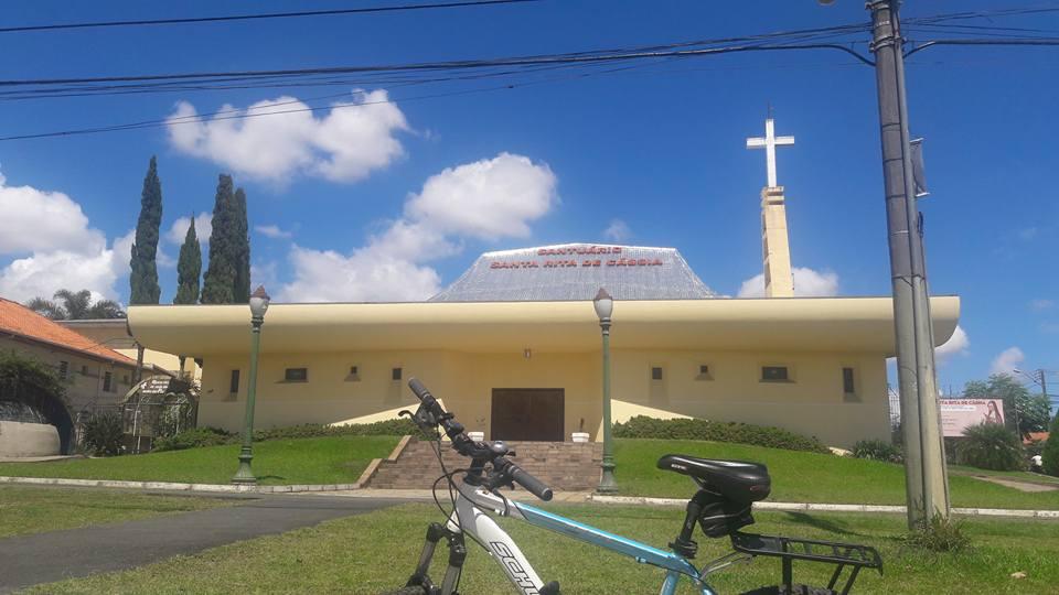 Santuário Santa Rita de Cássia no bairro Hauer em Curitiba.