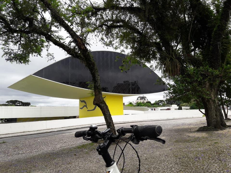 Museu do Olho ou Museu Oscar Niemeyer (MON)