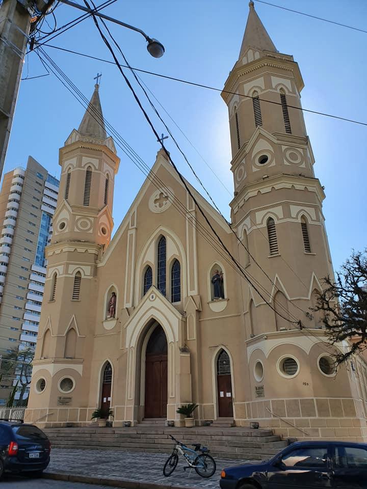 Paróquia Senhor Bom Jesus ni bairro Cabral em Curitiba.